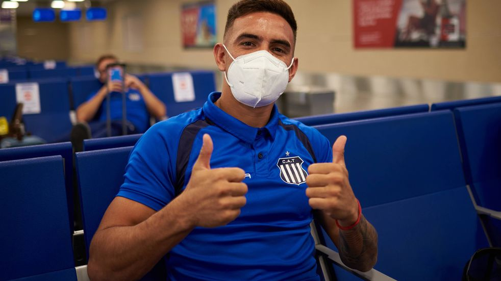 El plantel de Talleres viajó a Brasil, sin Federico Navarro