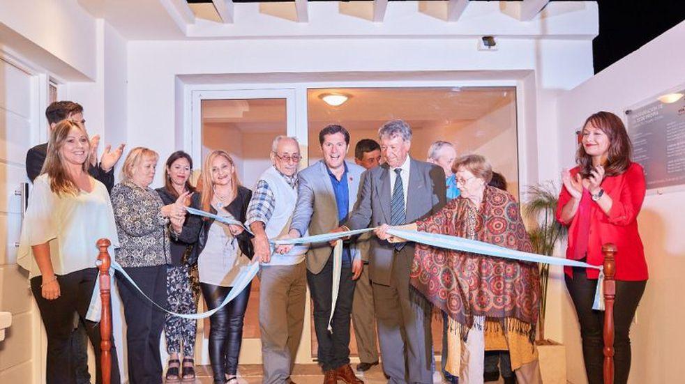 En un emotivo acto Vida Sobre Vida estrenó casa propia en Arroyito