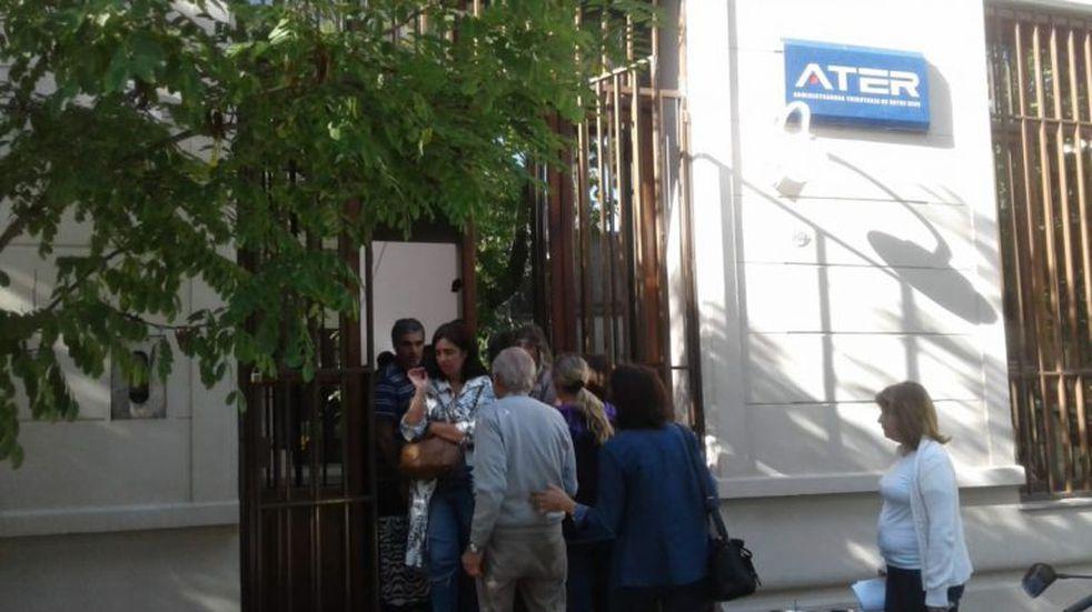Numerosos contribuyentes se presentaron para regularizar deudas en ATER