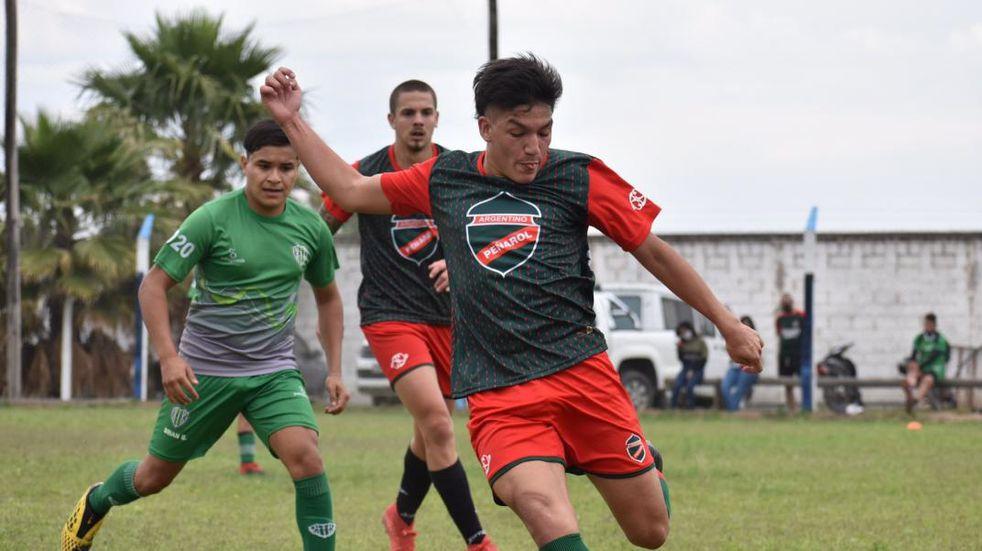 Amistosos de Juniors y Argentino Peñarol para acortar la espera