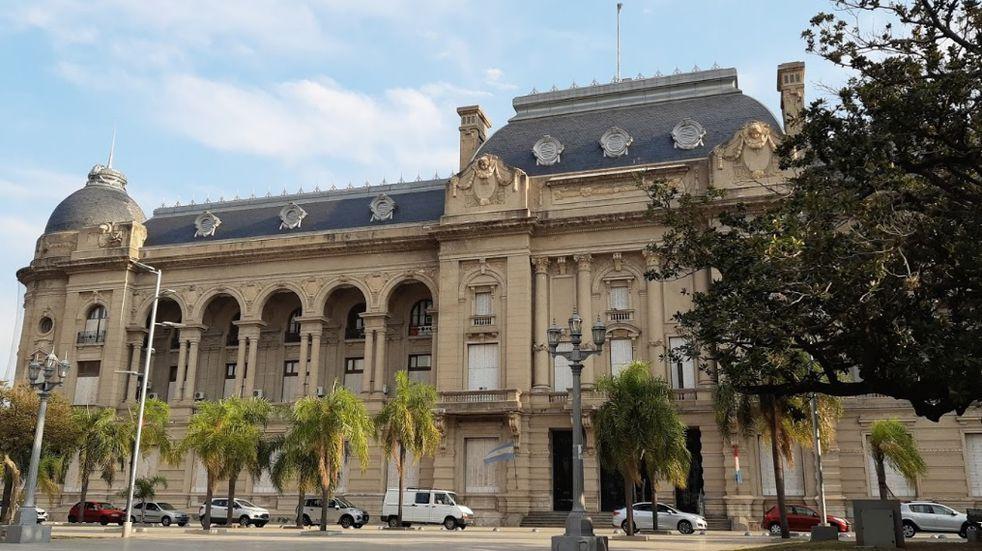 El Gobierno de Santa Fe reabrió la negociación salarial con los docentes (Gastón Casanova).