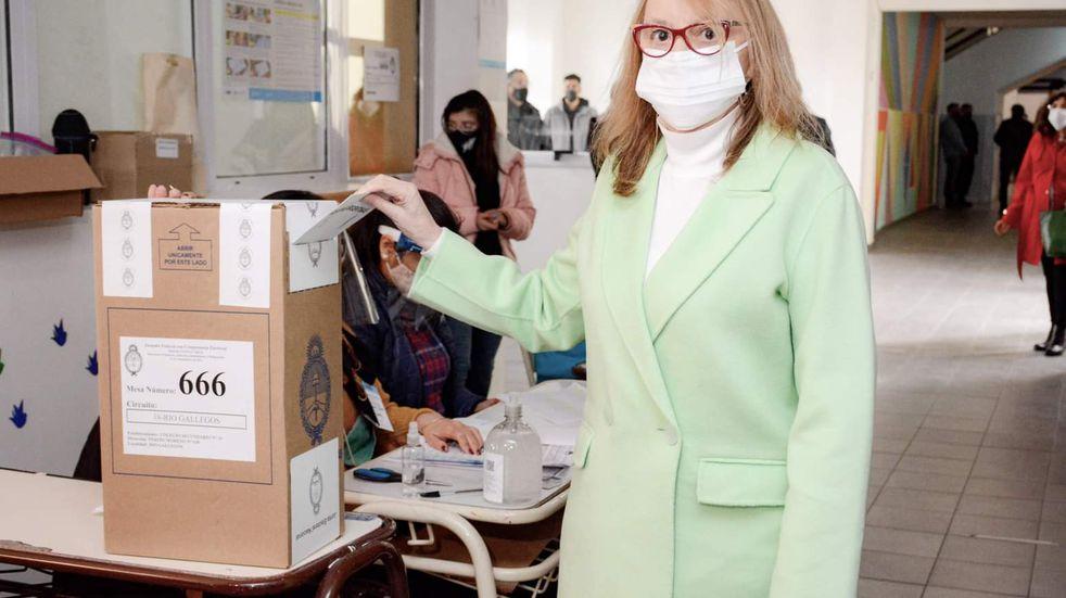 PASO 2021: Alicia Kirchner votó y en las redes destacaron el número de mesa que le tocó