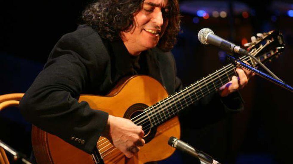 El músico Luis Salinas tocará en el Independencia con guitarristas de la orquesta municipal guaymallina