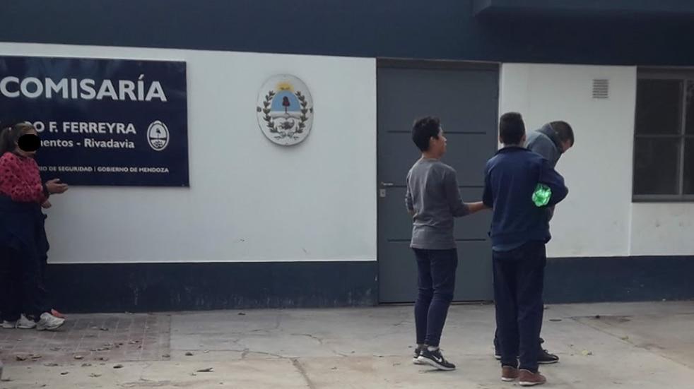 Luego del asalto a un policía y toda su familia en su casa se dio intervención la Subcomisaría Ferreyra, de Rivadavia. Foto: Captura internet.