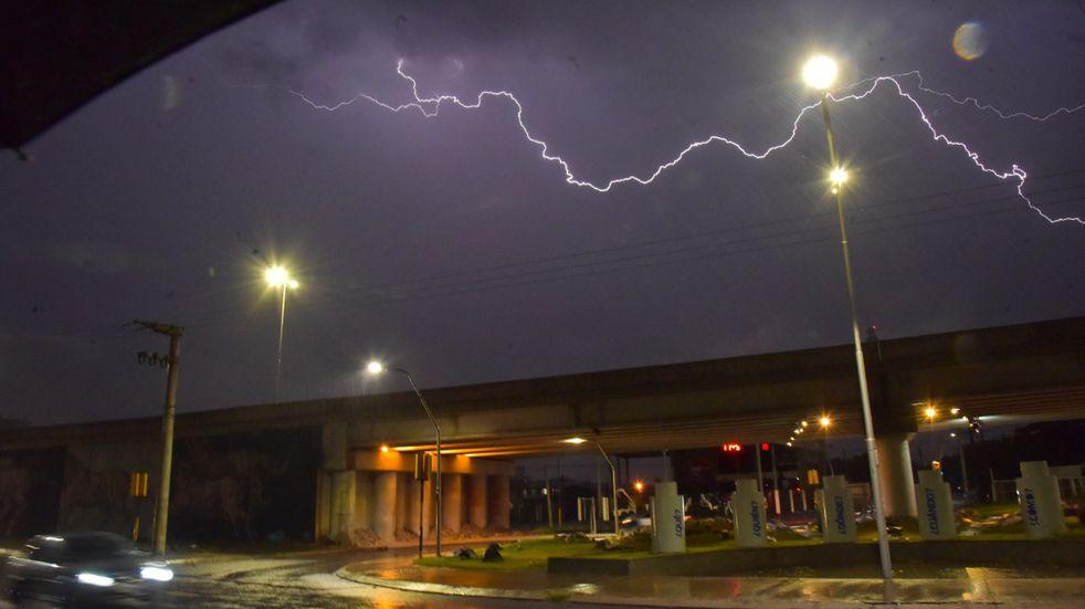 Emiten un alerta a muy corto plazo por tormentas fuertes en Córdoba