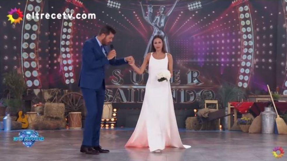 Pampita fue al Súper Bailando vestida de novia y contó detalles sobre su boda