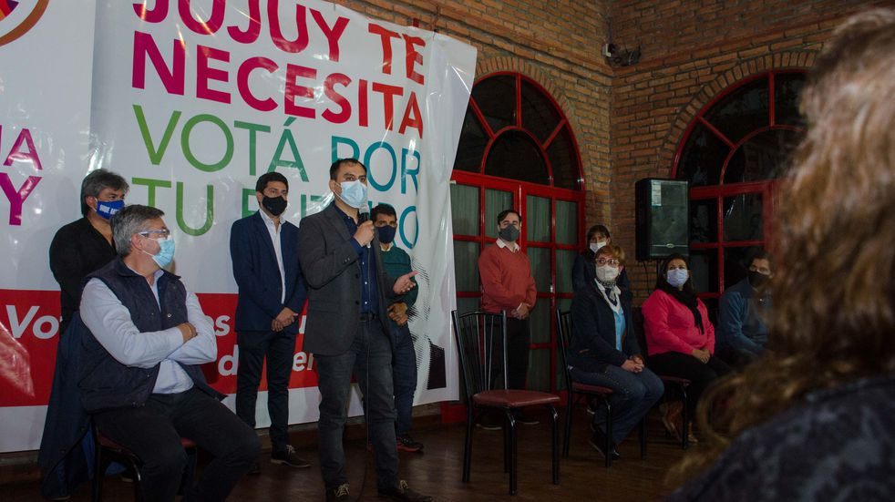 """""""No estoy para discursos, estoy para trabajar"""", dice Omar Gutiérrez"""