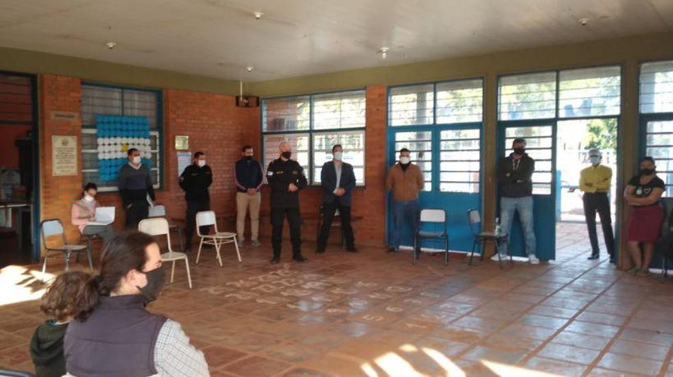 Eldorado: la policía se reunió con vecinos de Los Lapachos