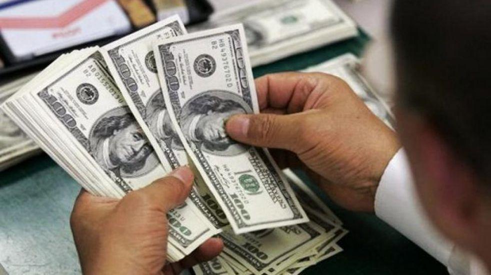 El dólar volvió a subir y terminó mayo con un salto de 75 centavos