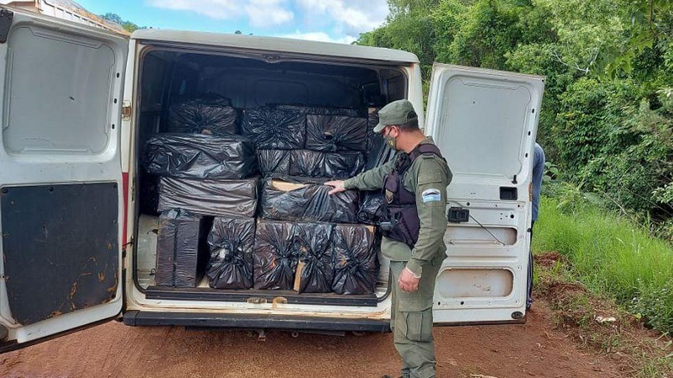 Gendarmería Nacional incautó cigarrillos de contrabando sobre la Ruta Provincial N°11.