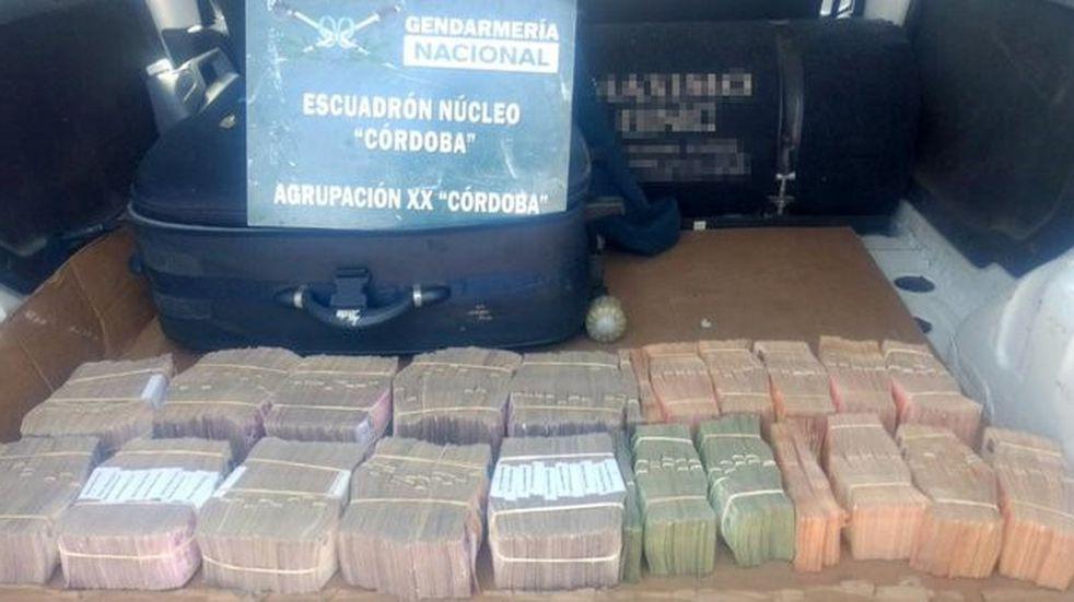 Iba de Rafaela a Córdoba con casi $6 millones en el baúl: lo detuvieron en Arroyito