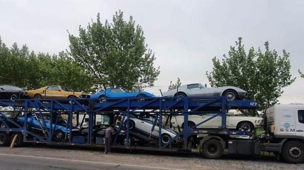 Una veintena de autos clásicos y sports recorrerán en caravana distintos lugares turísticos de Mendoza entregando ropa y alimentos no perecederos a los necesitados. Gobierno de Mendoza