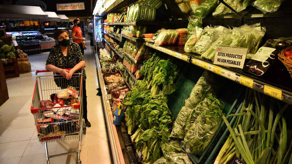 Indec: la inflación de abril fue de 4,1% y acumula un aumento de 17,6% en lo que va del año