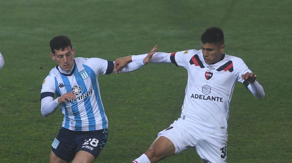 Racing derrotó por 2-0 a Newell's con un gol olímpico de Tomás Chancalay