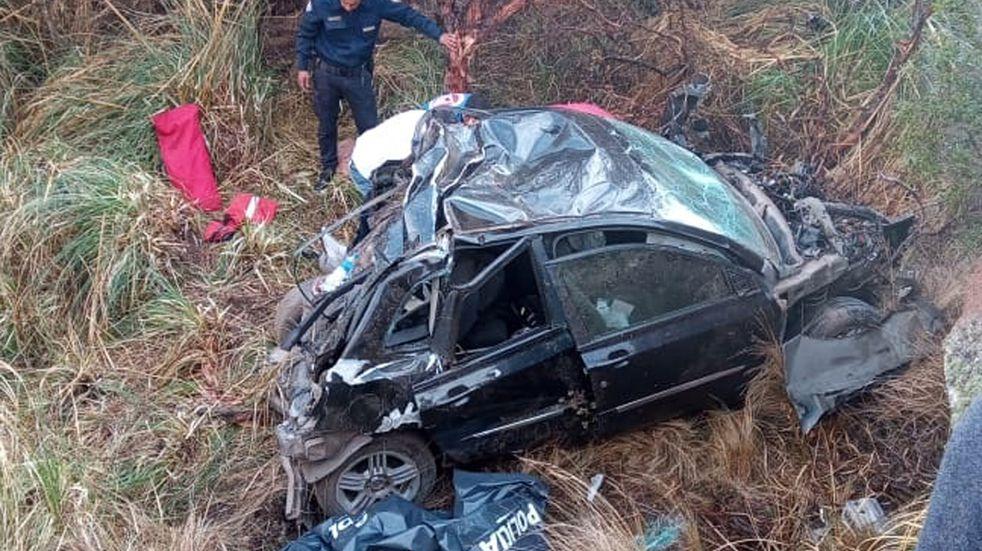 Accidente en las Altas Cumbres: dos adolescentes murieron tras desbarrancar un auto