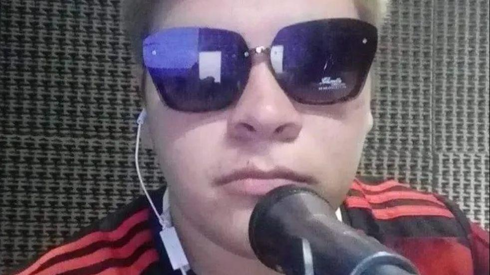 El joven con discapacidad de Valle Fértil que la rompe en la radio y sueña con entrevistar a Gallardo