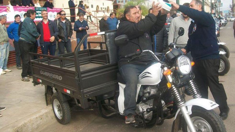 Tracción a sangre: Concepción del Uruguay implementó motocarros