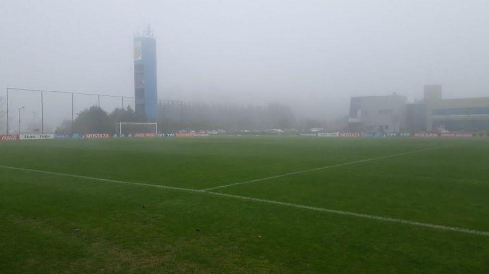La Selección Argentina se entrenó en Ezeiza bajo una intensa niebla