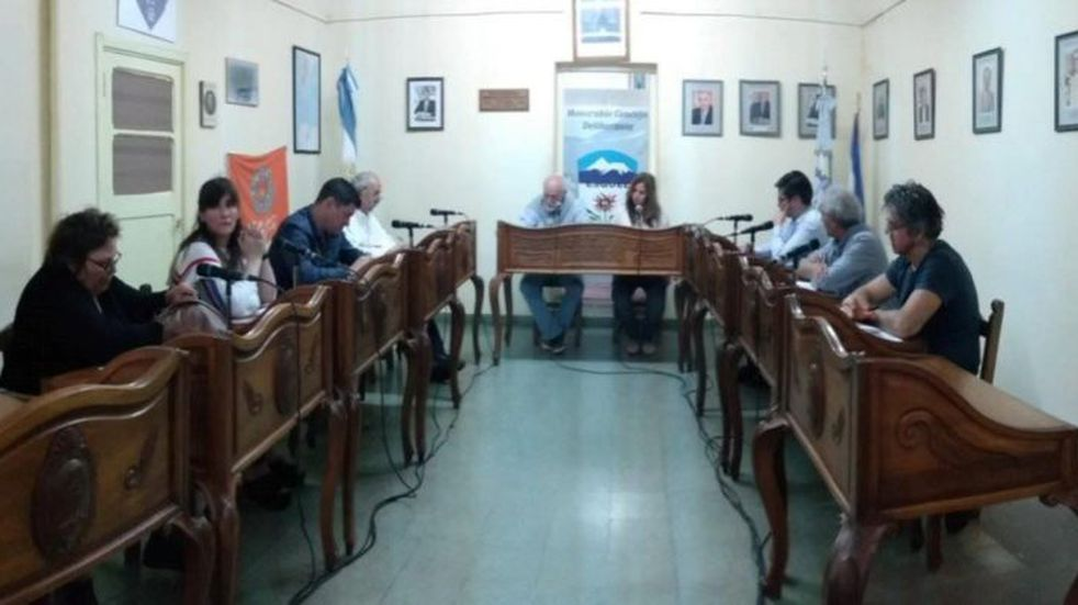Los Concejales buscan la solución para poder reunirse y seguir trabajando