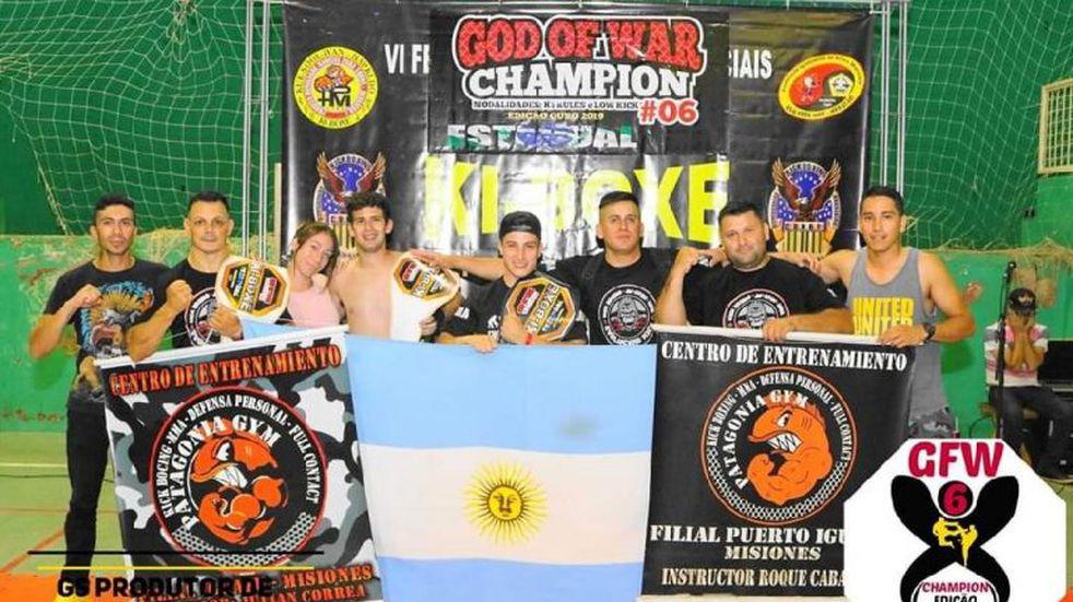 Competidores de Kick Boxing de Iguazú fueron coronados en Brasil