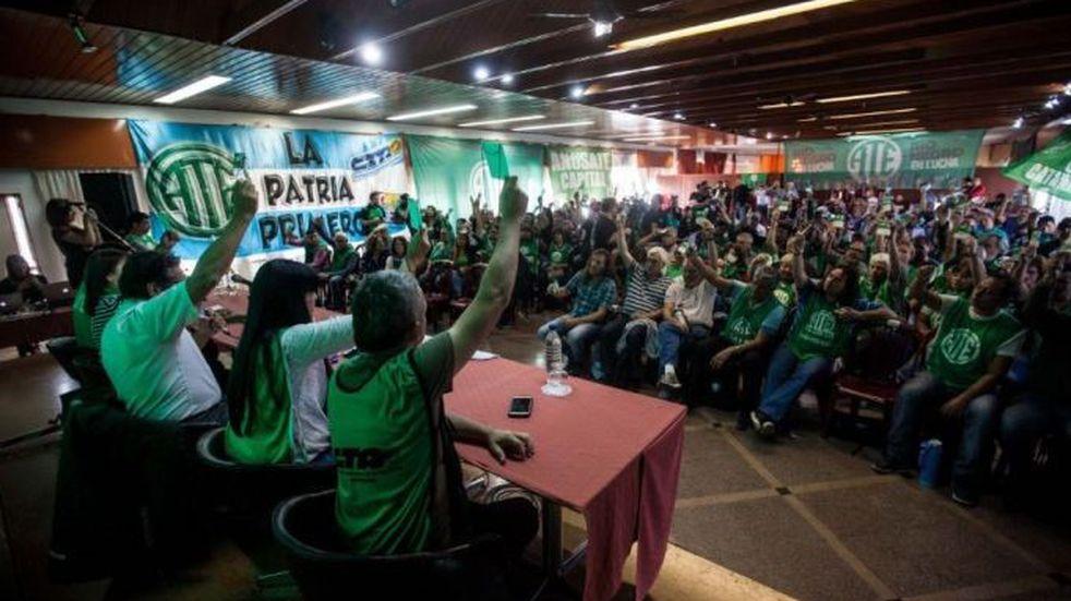 ATE Santa Cruz rechazó la propuesta de aumento del 12% en dos cuotas