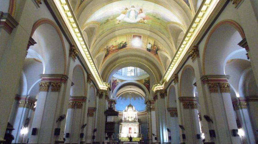 Sin misas, vuelve a abrir sus puertas la Catedral Basílica de la Virgen del Valle