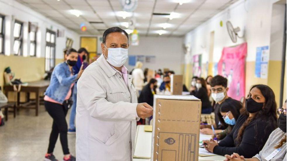 """PASO 2021: votó Ricardo Quintela y agradeció a La Rioja por """"la fiesta de la democracia"""""""