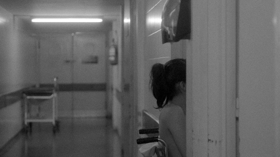 Niña mamá, el documental de Andrea Testa que retrata a adolescentes embarazadas que recién parieron o que están internadas por abortos inseguros.