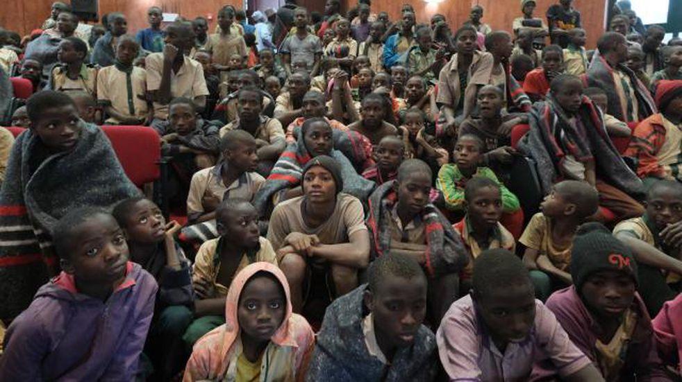 Un grupo armado secuestró a 42 personas de un colegio de Nigeria