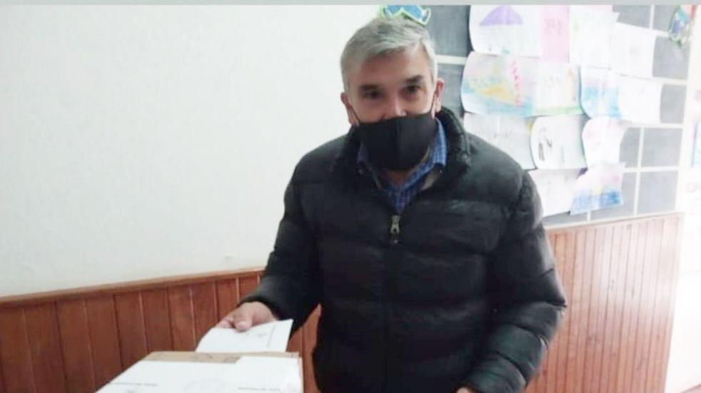 Elecciones Paso en Tres Arroyos: Carlos Ávila votó en Claromecó