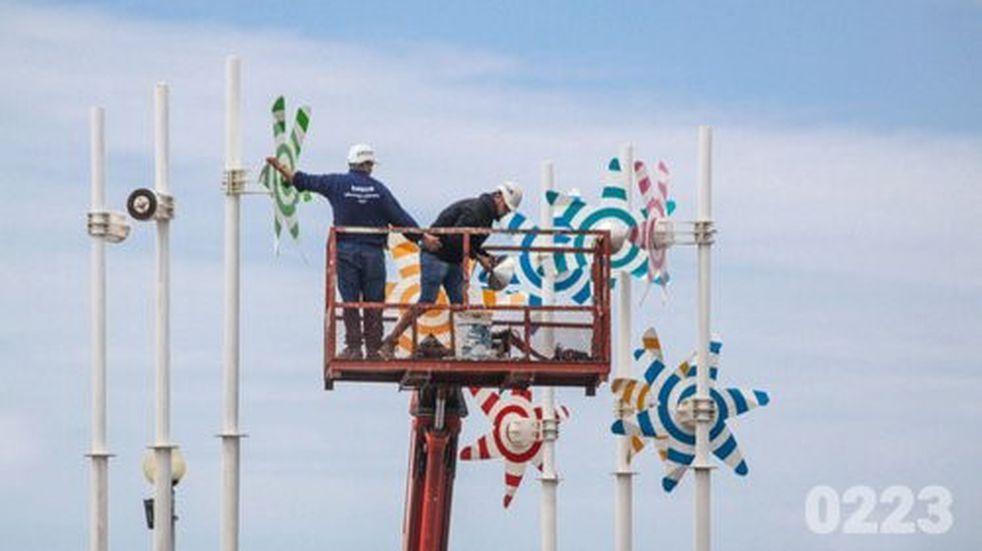 El Municipio volvió a colocar los molinos del Paseo Dávila
