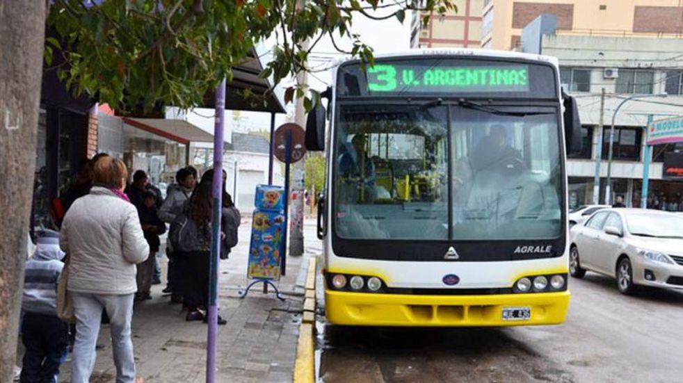 Principio de acuerdo entre la Municipalidad de Santa Rosa y Autobuses Santa Fe