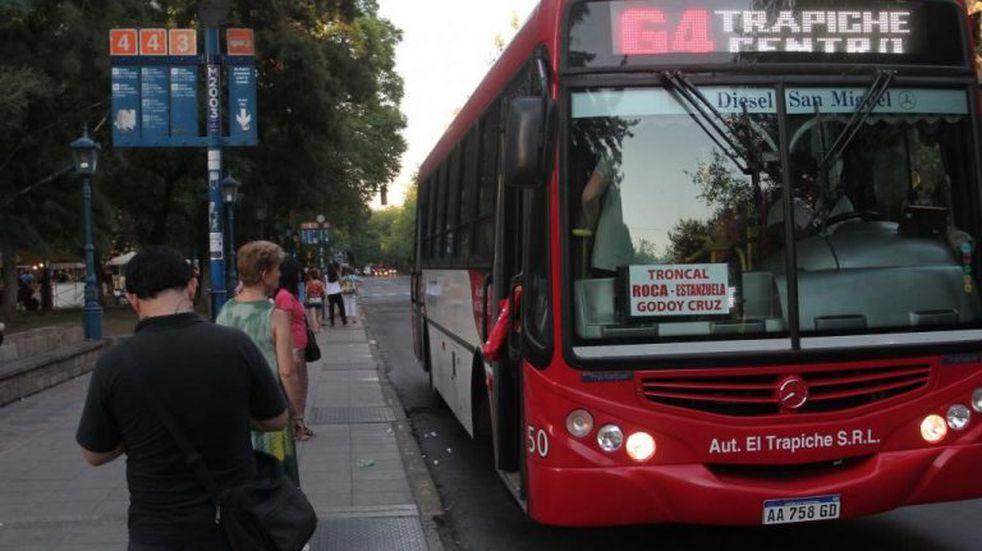 Paro en Mendoza: Muchos choferes no se quieren adherir