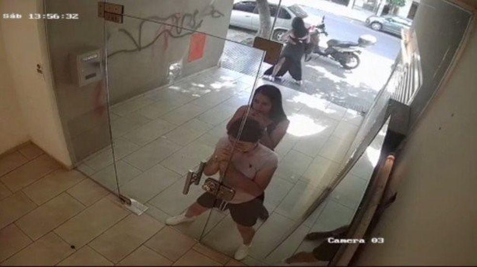 Así entraron a robar a un edificio de Palermo Soho