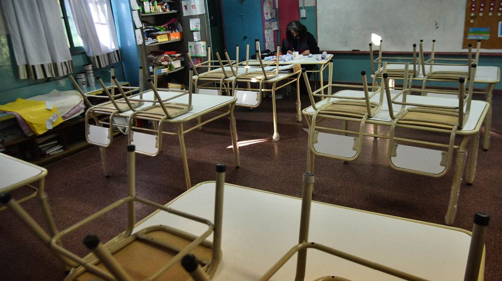 Gremios instan a docentes a dar clases virtuales en Córdoba