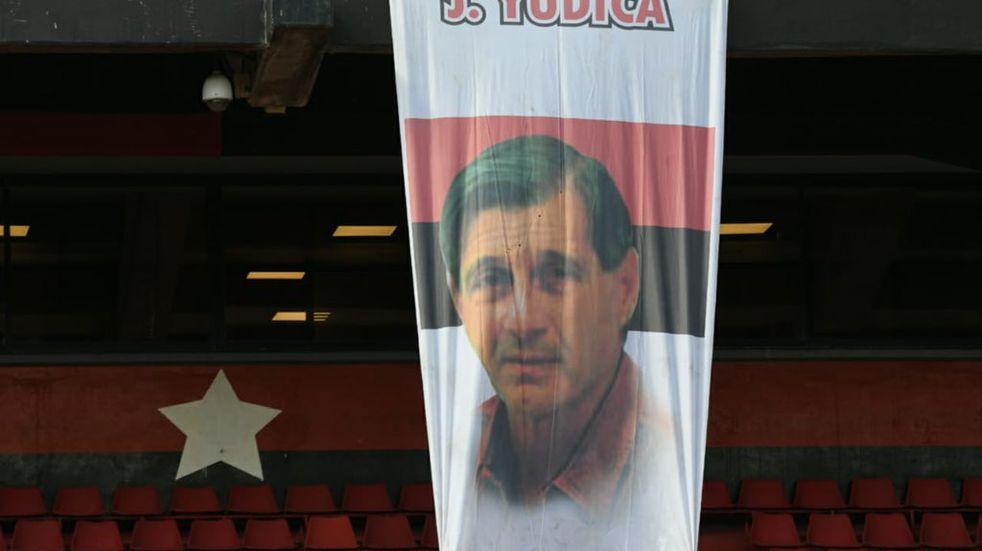 Newell's le rindió homenaje a José Yudica en el Parque de la Independencia