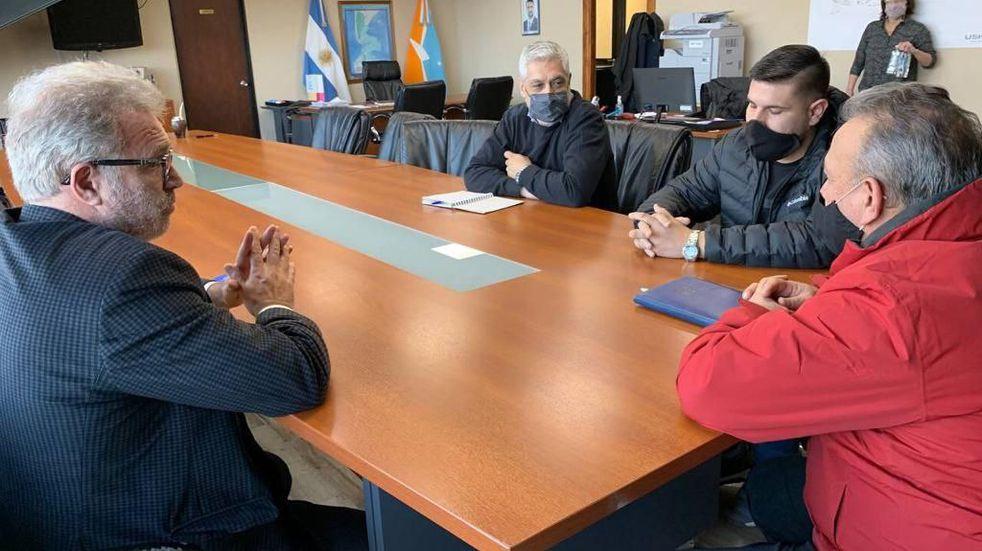 El Municipio se reunió con representantes de la Asociación de Propietarios de Taxis