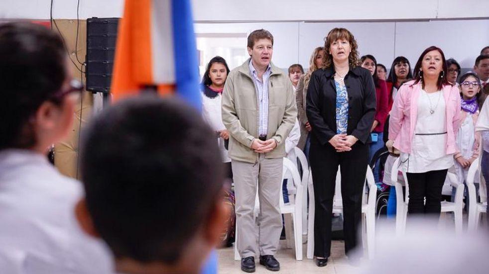 Melella encabezó el acto oficial de inicio de clases en la escuela Nº 5 de Tolhuin