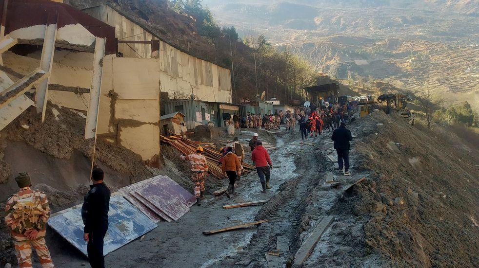 India: al menos 18 muertos y 200 desaparecidos por la rotura de un glaciar en el Himalaya