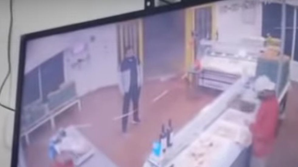 Tres minutos de terror: así fue el robo a mano armada en una pollería sanjuanina