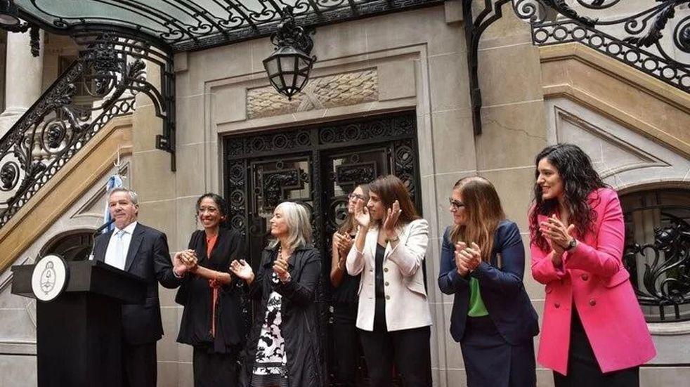 Cancillería formalizó el lenguaje inclusivo y la creación de la Dirección de la Mujer y Asuntos de Género