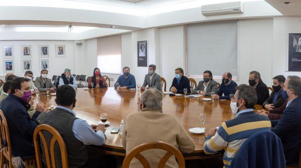 El Ejecutivo mendocino coparticipa los Aportes del Tesoro Nacional con los municipios