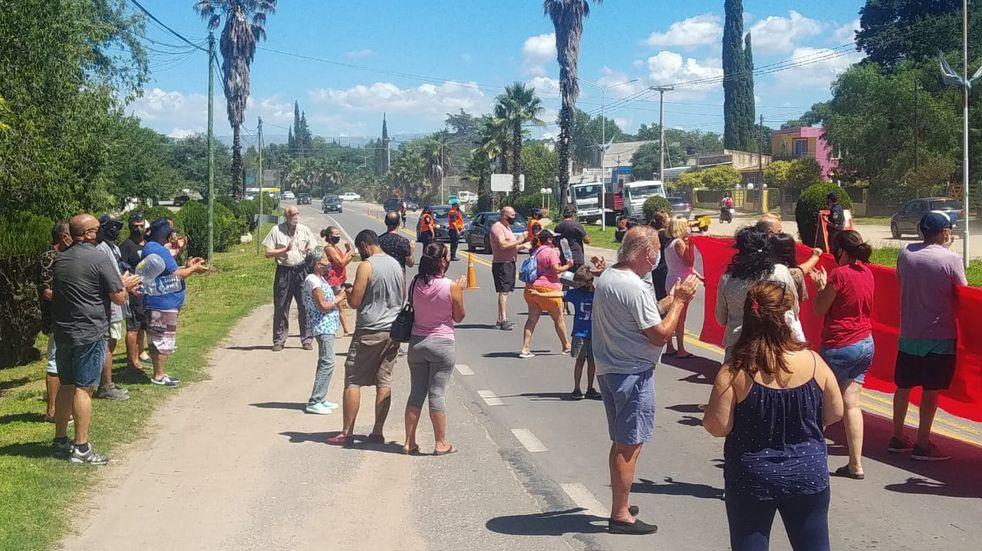"""Vecinos de Parque Síquiman exclamaron por """"seguridad"""" frente a la casa del Presidente Comunal Néstor Cuello"""