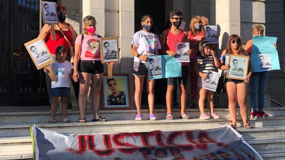 Olavarría: pidieron justicia por el joven azuleño asesinado