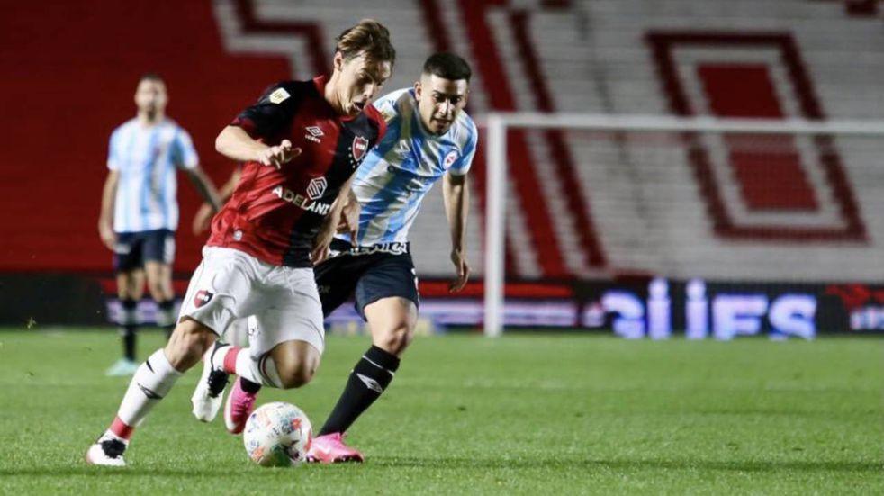 Newell's perdió en el final ante Argentinos Juniors tras una noche complicada