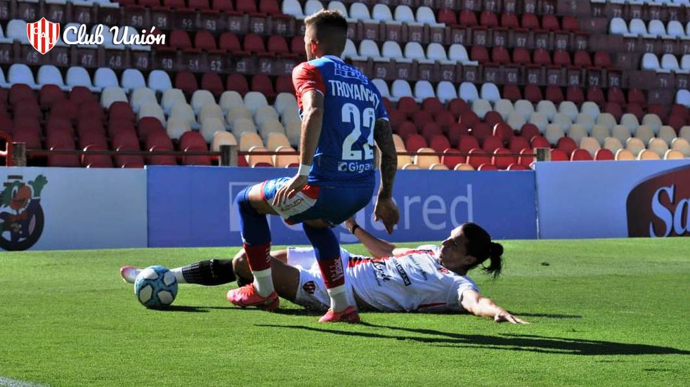 Unión perdió 2 a 1 ante Patronato y se quedó sin final