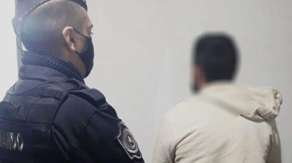 Terminó detenido por ejercer violencia contra su madre
