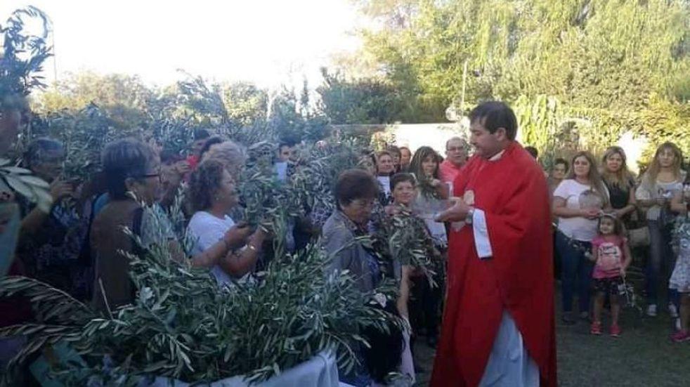 Un popular sacerdote sanjuanino deja la Iglesia Católica para formar una familia