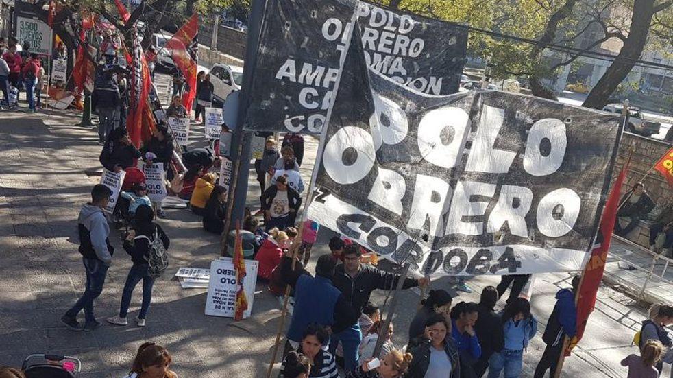 """Marcha del Polo Obrero por """"el hambre y la desocupación"""" en Córdoba"""