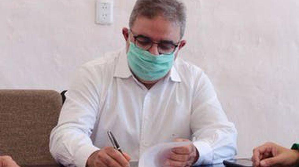 """Raúl Jalil: """"Junio es un mes bisagra para que no explote el sistema de salud"""""""